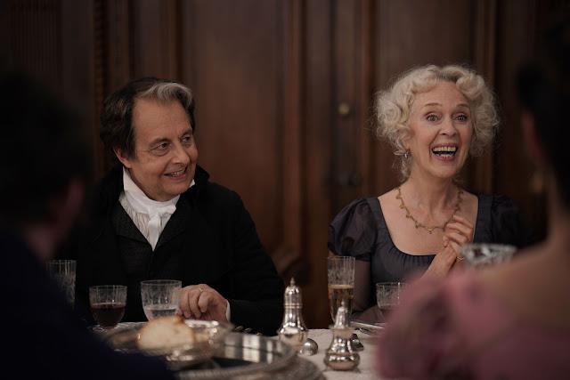 Monsieur (Christian Bujeau) et Madame Beaugrand (Évelyne Buyle) dans Le Retour du héros