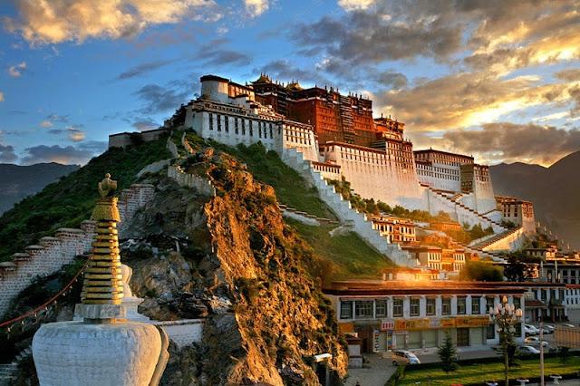 Cung điện Potala, Lhasa, Tây Tạng