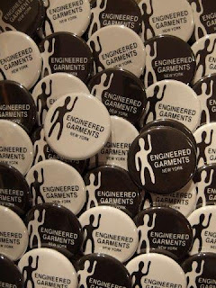 SUNRISE MARKET 別注「Engineered Garments - Human ノベルティ缶バッジ」プレゼント