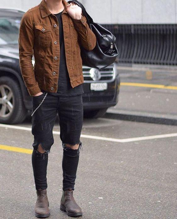look masculino com jaqueta marrom e calça preta