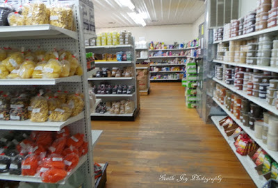 10 Tips For Shopping at Amish or Mennonite Stores