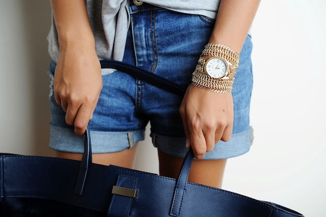 Strap Jam tangan dengan rantai emas
