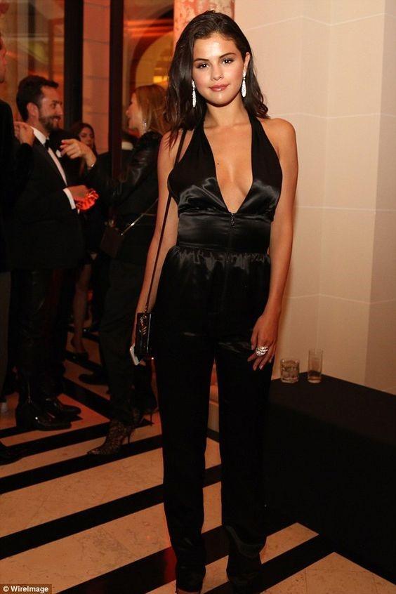 Selena Gomez atriz cantora celebridade celeb Não Enrola Blog de moda Moda inspiração de look look de inverno