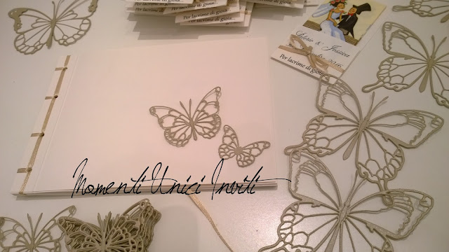 WP_20160921_019%2B%25281%2529 I coordinati di Jessica e ValerioColore Bianco Colore Sabbia Guest Book Portafazzoletti Stile Shabby Chic Tema Farfalle