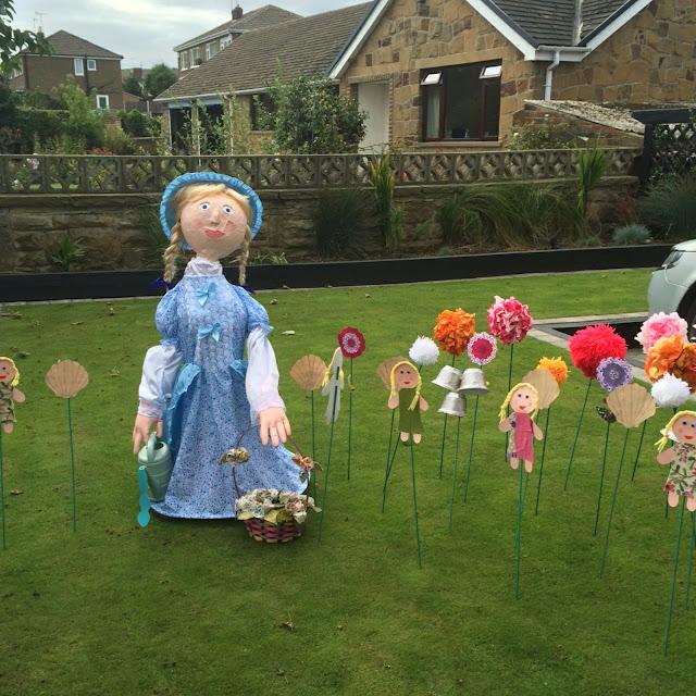 Kirkhamgate scarecrows festival, Mary Mary