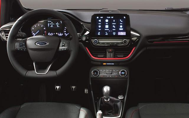 Novo Ford Fiesta ST Line - interior