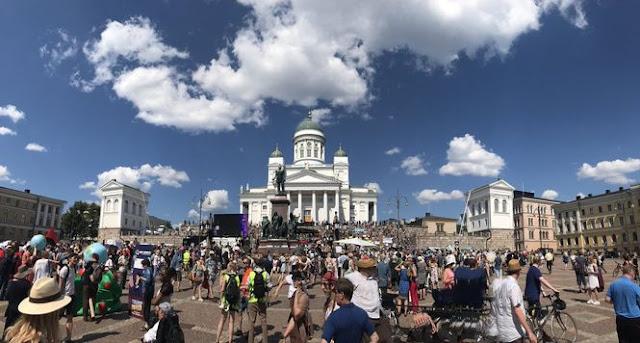 У Гельсінкі проходить багатотисячний мітинг проти приїзду Трампа і Путіна