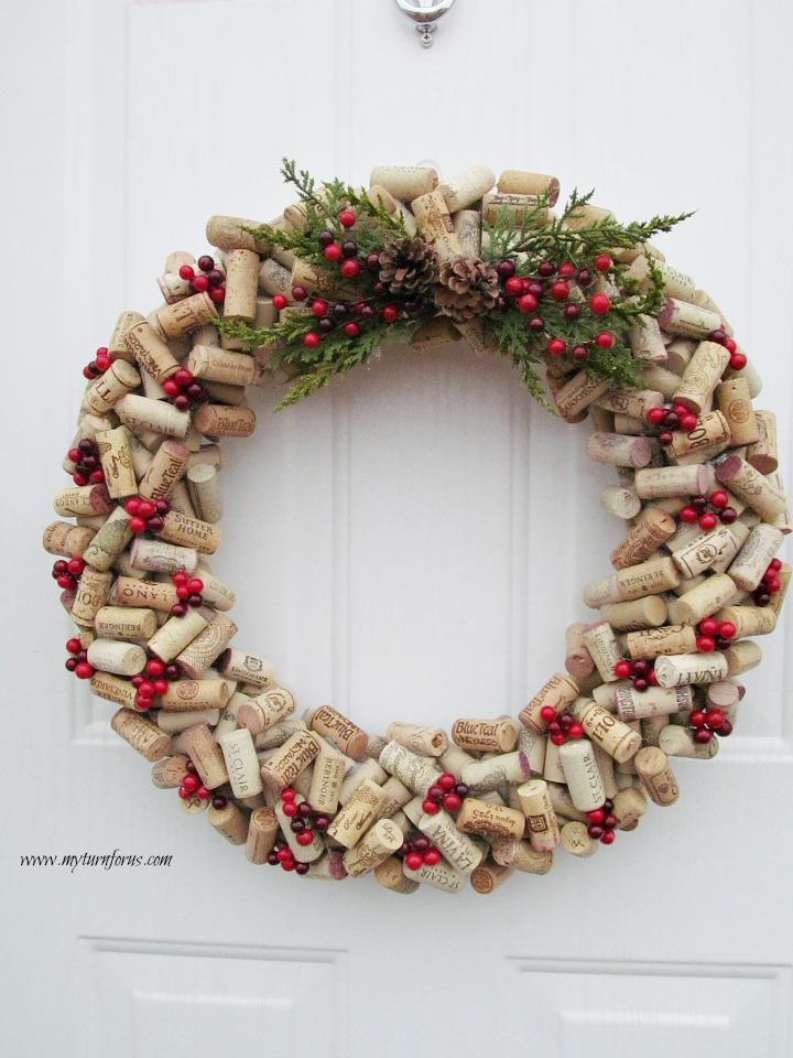 Wine corks, wine cork crafts, Christmas wreath, Christmas Wreath ideas