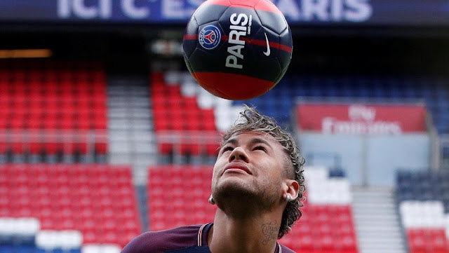 Ayah Neymar Mengungkapkan Barca Memeras Anaknya