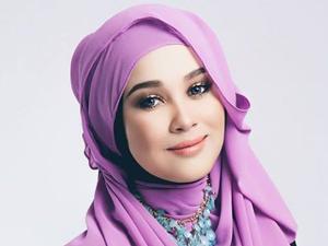 Thumbnail image for Emma Maembong Saman Penulis 'Alat Uji Kehamilan'