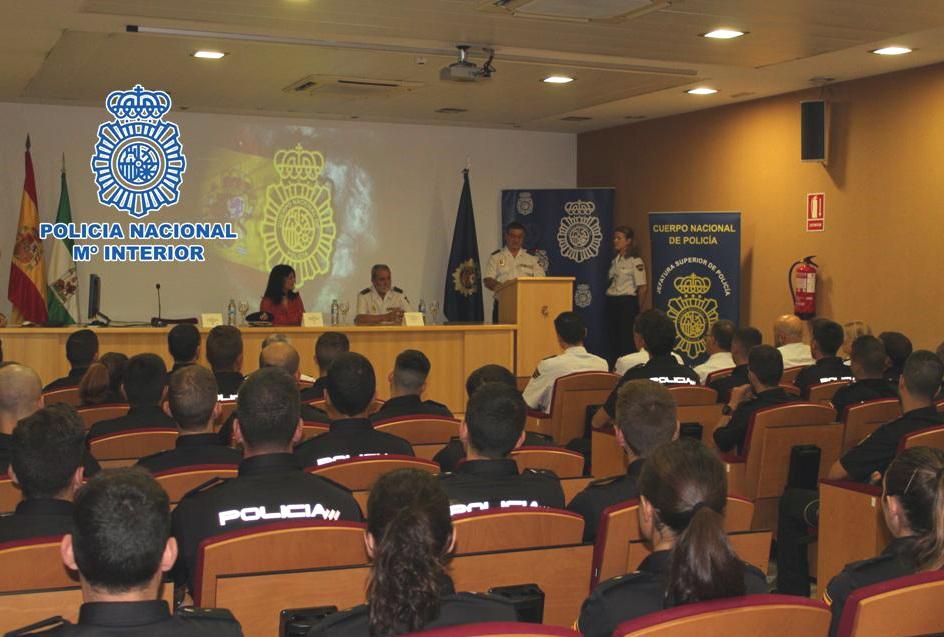 Motril Digital La Policía Nacional Incorpora En Motril A 25