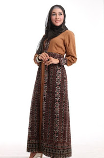 Baju batik muslim kombinasi casual nan elegan