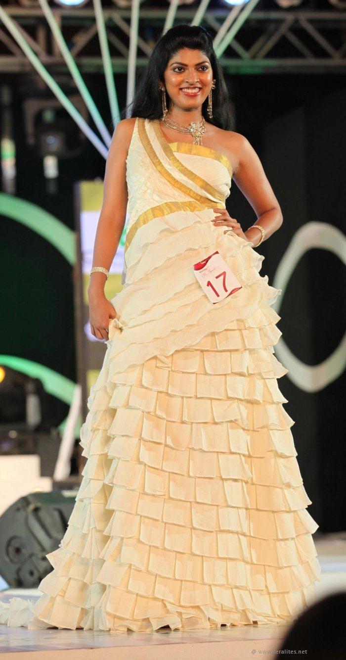 Romantic Sexiest Pictures Eizebath Thadikkaran Miss -9053
