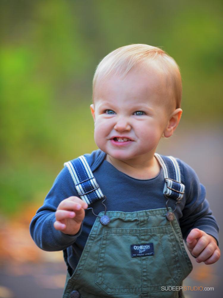 Baby making faces Baby Portrait - SudeepStudio,com Ann Arbor Portrait Photographer