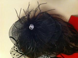 siyah vualet Audrey Hepbrun nikah şapkası