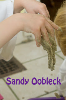 Moon Sand Gone Wrong = Sandy Oobleck