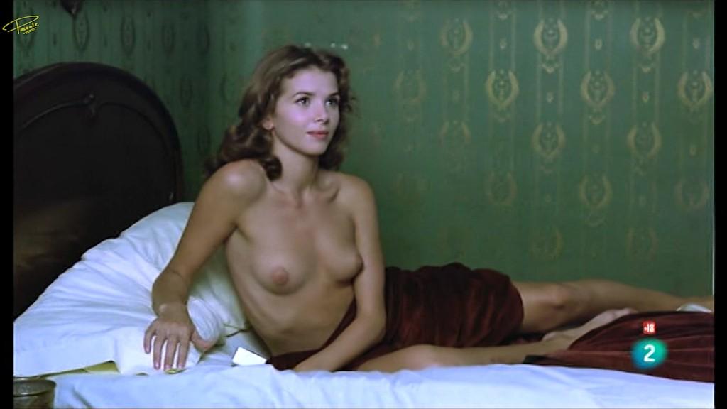 Secreto de Victoria y desnudo