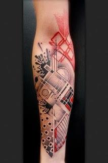 tato abstrak di tangan