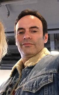 Anthony Delon age, jeune, fille, et sa nouvelle compagne, et sa femme, et ses filles, et sa compagne, instagram