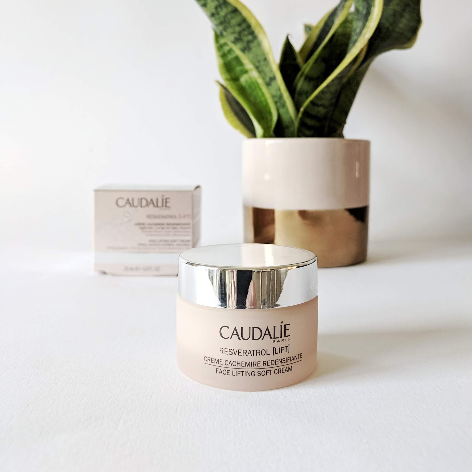 Image of a jar of Caudalie Resveratrol Lifting Cream
