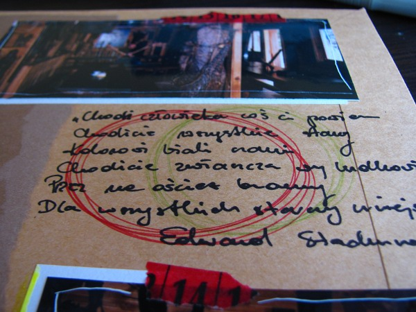 album scrapbookingowy o Bieszczadach na bazie ze sklejonych kopert