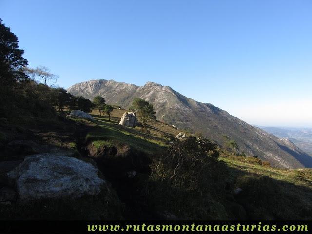 Ruta Pienzu por Mirador Fito y Biescona: Cara norte de la sierra del Sueve