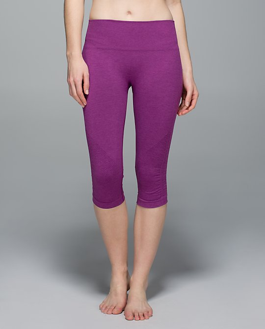 lululemon-regal-plum in-the-flow-crop