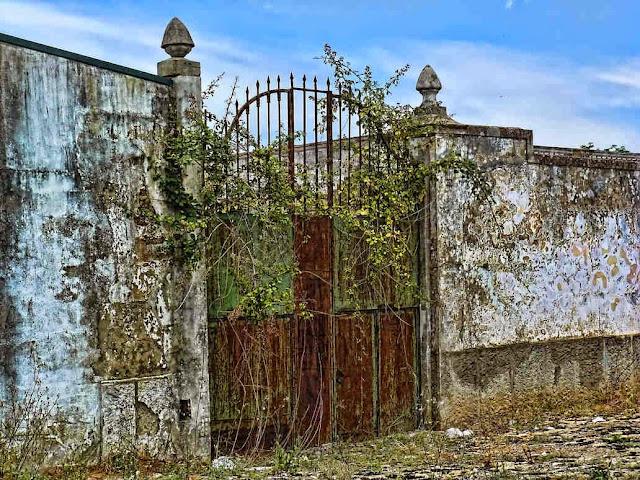 stara nieużywana brama Twojej Strefy Komfortu