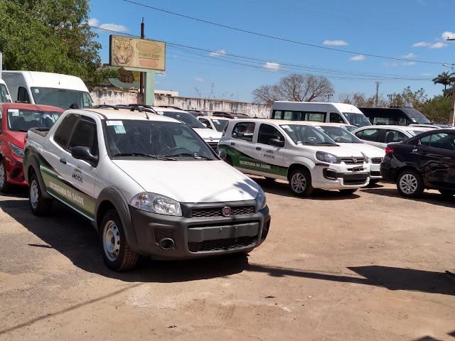 Três novos veículos são incorporados à frota do município de Angical