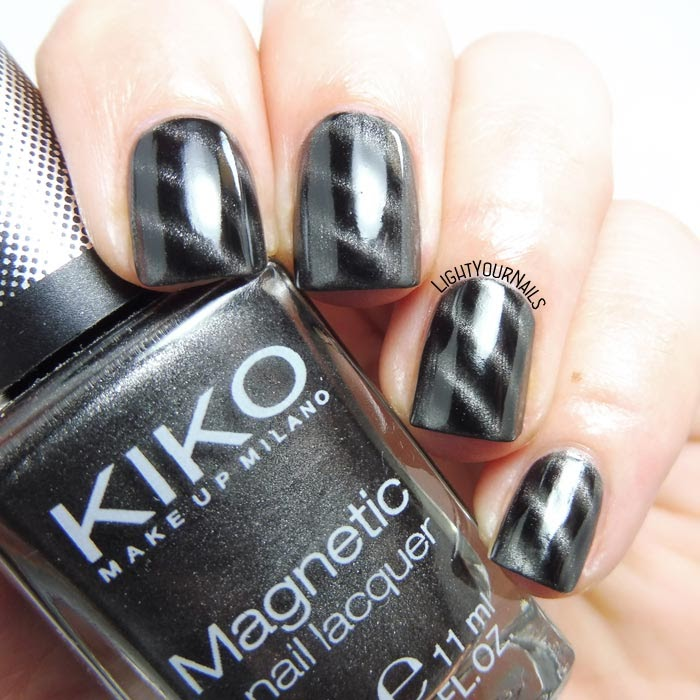 Smalto magnetico grigio Kiko 707 magnetic grey nail polish #kiko #nails #unghie #magnetic