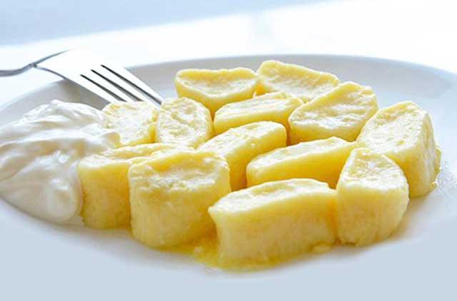Пищевая ценность на 100 грамм Калории: 206 ккал. Белки: 13.9 гр. Жиры: 7.3 гр. Углеводы: 20.8 гр.