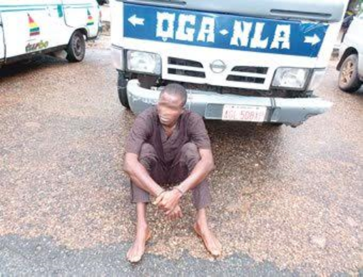 24 hours after employment, driver absconds with company vehicle (photo)