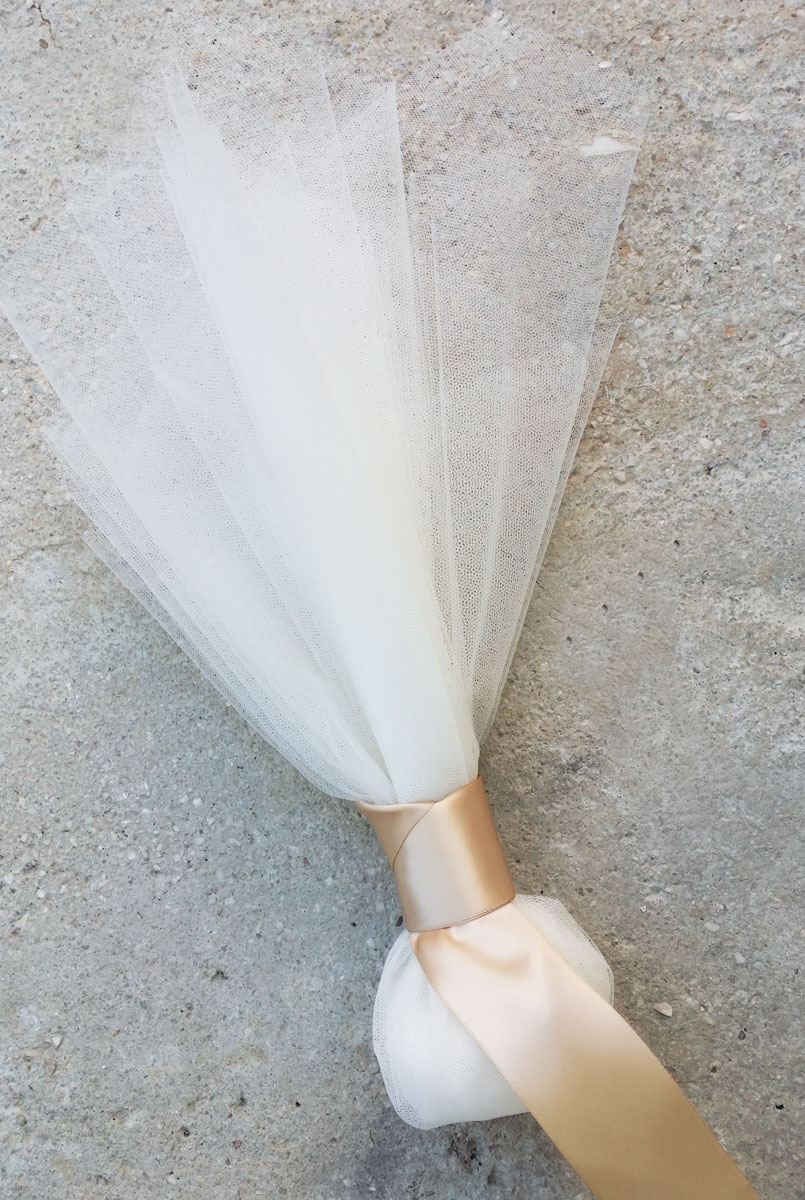 Greek boubounieres with tulles traditional