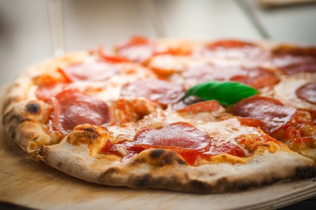 মজার প্রযুক্তি: Pizzas জন্য কৃত্রিম বুদ্ধিমত্তা, স্বর্ণ এবং misogynous সংযুক্ত বস্তুর মূল্য যে ভাইরাস