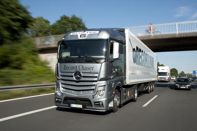 Как собираются грузовые автомобили Mercedes Actros. - Автомобильные ... a5ecbd548b1