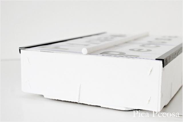 caja-luz-lightbox-diy-caja-fresas-reciclada-vista-perfil-esquineras-varilla-madera