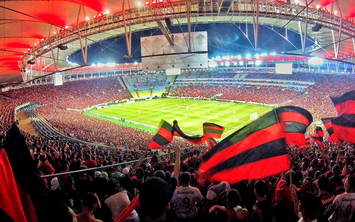 Resultado de imagem para Maracanã lotado com torcida do Fla