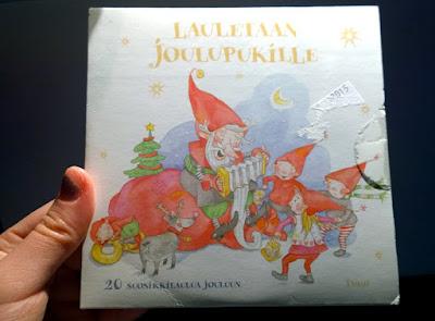Saippuakuplia olohuoneessa- blogi, kuva Hanna Poikkilehto, cd-levy, joulukalenteri