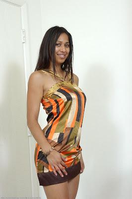 Market Nude Girl: Lala, model llatina (ATK Exotics)