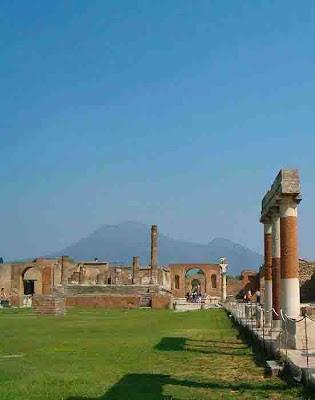 Italia; Italy; Italie; Campania; Pompei; Pompeya; Pompeii; Vesuvio; Vesubio; Foro