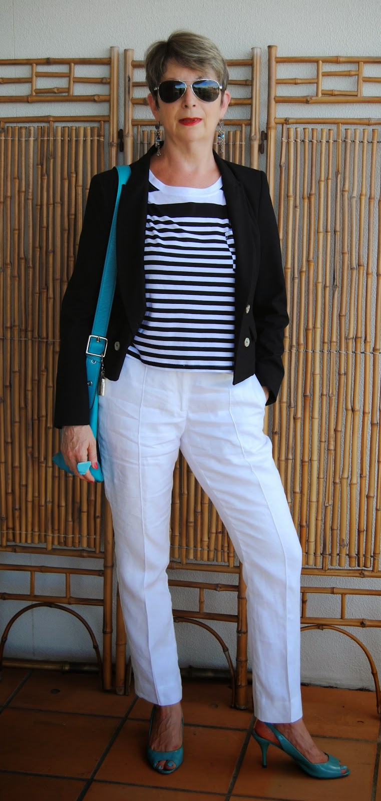 capri pants+jacket+elegant look