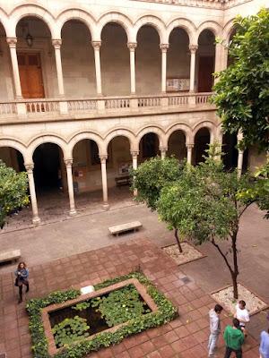 Claustro de letras de la Universidad de Barcelona