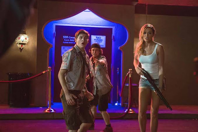 Film Scouts Guide To The Zombie Apocalypse (2015)3