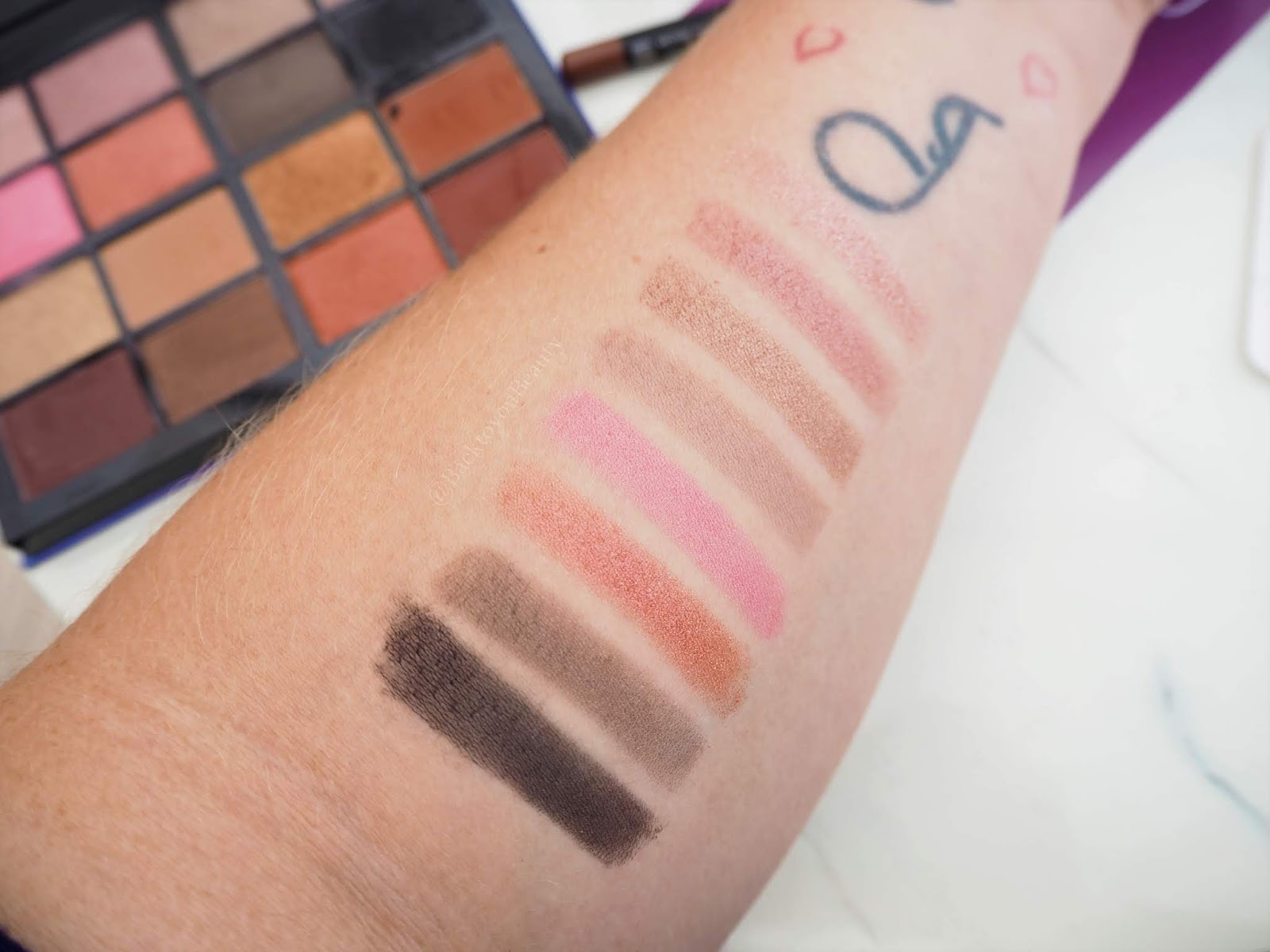 Lmx Beauty Eye Palette Swatches 1