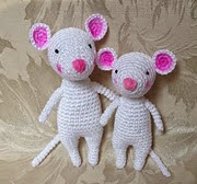 http://www.ravelry.com/patterns/library/a-mouse-is-born