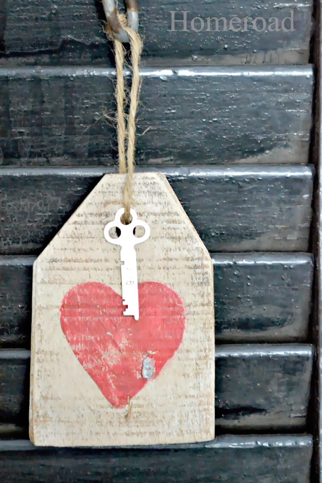 Valentine's mantel www.homeroad.net