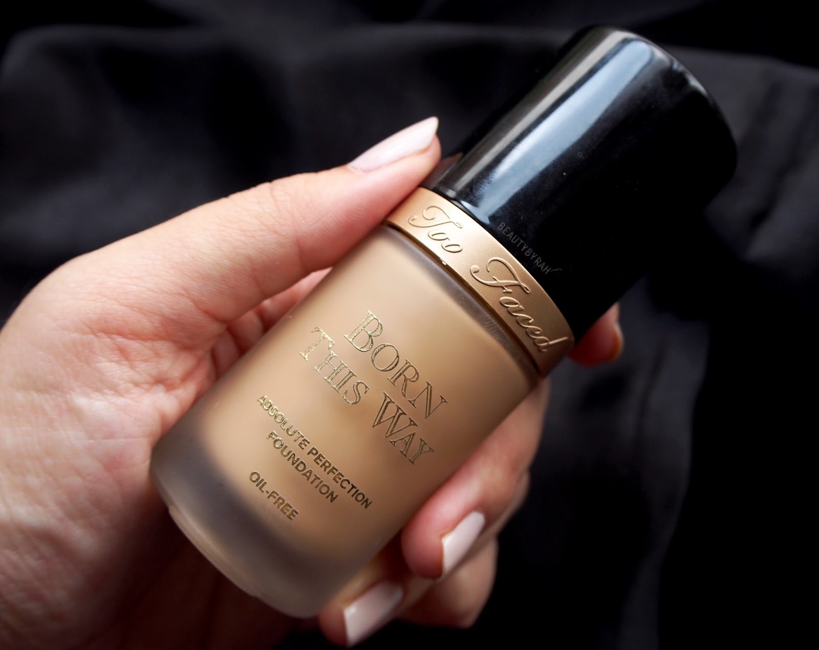 Tips for a flawless base makeup application too faced born this way foundation