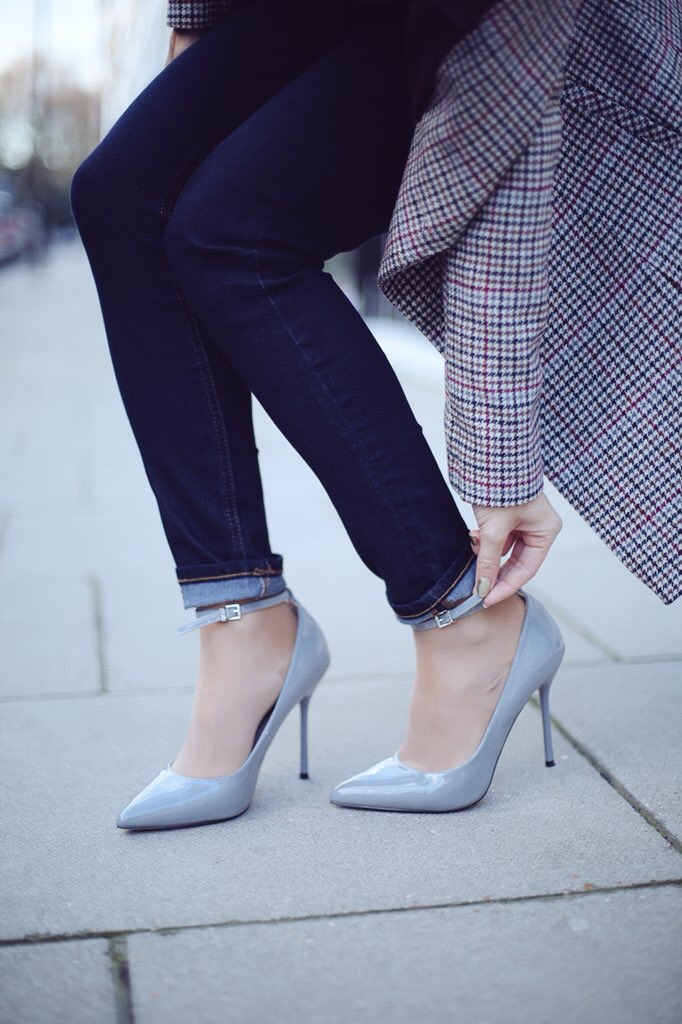 FAITH GREY PATENT 'CHLO' HIGH STILETTO HEEL POINTED SHOES