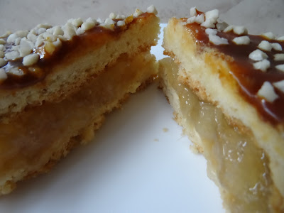 Kruche ciasto z dżemem ananasowym