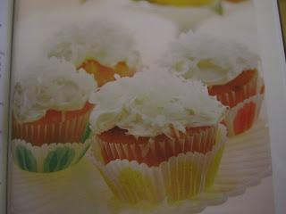 Cupcake - Cupcakes - Pina Colada cupcakes - Tropical cupcakes